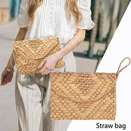 $enCountryForm.capitalKeyWord NZ - Women Beach Handbag Hand Woven Straw Envelope Bag Day Evening Clutches Bags Handmade Braided Pattern For Travel Outdoor Handbags