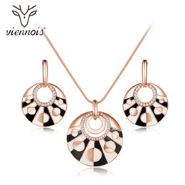 $enCountryForm.capitalKeyWord Australia - set for women Viennois Rose Gold Color Round Jewelry Sets for Women Earrings Pendant Necklace Set Black and White Jewelry