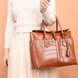 lady fashion handbag celebrity Canada - The hottest brand ladies high-end handbags European and American crocodile briefcases Fashion celebrity shoulders big bags Free shipping