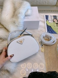 Wholesale Women s new wave of the most popular single product shoulder Messenger size