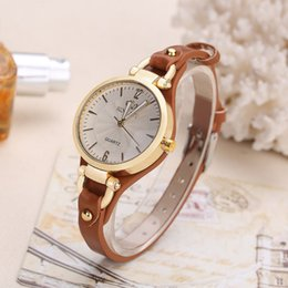 Wholesale Fashion Top Casual Quartz Watch For Women Thin Leather Strap Wrist Watches Luxury Ladie Gold Creative Wristwatch