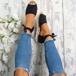 Venta al por mayor de Mujeres de alta calidad punta abierta vervel tieback boca de pescado plana sandalias zapatos zapatos