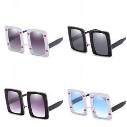 Printed Lens Glasses Australia - Heart Shaped Printing Trend Sunglasses Square Border Marine Lens Eyeglass Male And Female Outdoor Sunscreen Eyewear Portable 19jrb I1