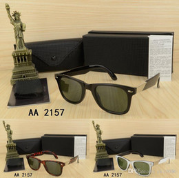 75112eb2ad Wholesa Summer Travel driving Vintage Design Star Style men Women s Stylish  Black Frame Pilot sunglasses with box eyeglasses Classic gl
