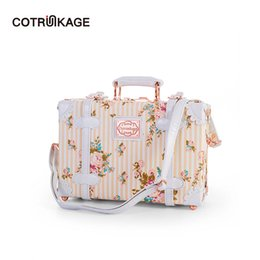 Wholesale COTRUNKAGE Cute Floral Inch Pu Leather Womens Carry On Luggage Bag Beige Cosmetic Case for Girls Decorative Case with Straps