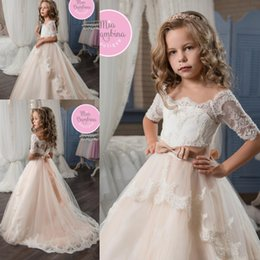 Discount kids party wear gown dress - 2019 New Flower Girl Dresses Off the Shoulder Short Sleeves Lace Appliqued Girls Pageant Dress Bow Ribbon Kids Formal We
