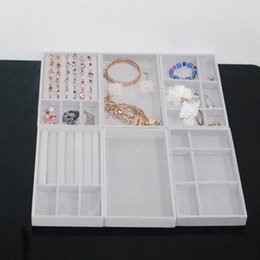 Rings Showcase Australia - Velvet Ring Organizer Earrings Jewelry Stand Display Showcase Shelf Plate Jewelry Box 3 Pieces Lots Ring Empty Grid