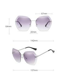 Großhandel New Ocean Sunglasses Europa und Amerika Trends Brille Cut Edge Sonnenbrillen Frau Frameless Metal Sunglasses