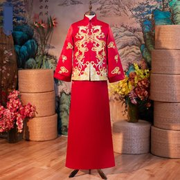 $enCountryForm.capitalKeyWord Australia - Dragon High Embroidery Long Robe Gown Men Costume Full Length Cheongsam Vintage Marriage Suit Red Qipao Toast Fall Clothing