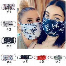 Máscaras faciais máscaras de desenho máscara de protecção à prova de ultravioleta lavável Respirador À Prova de pó andar de bicicleta Desporto impresso máscaras faciais Homens Mulheres Ao Ar Livre DHL E4105 em Promoção