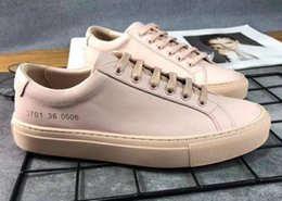 Discount casual shoes italy - 2019 NEW Fashion wild Italy brand Common Projects Black white low top Shoes For Men Women Genuine Leather Casual Shoes f