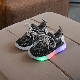 ShoeS year old kid online shopping - New LED lights kids sports shoes fashion breathable casual shoes glowing baby boys and girls running for to year old