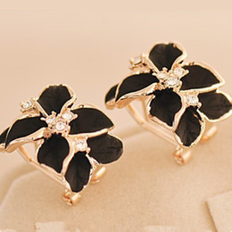 $enCountryForm.capitalKeyWord NZ - 2 Colors Hot Sale Gardenia Flower Stud Earrings South Korea Lovely Earrings Country Exaggerated Fashion