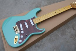 Guitar red pickGuard online shopping - Top quality New Arrival string stratocaster cyan electric guitar Red Pearl Pickguard Gold hardware
