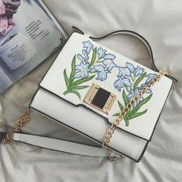$enCountryForm.capitalKeyWord Australia - Luxury Party Bags Ladies Leather Shoulder Handbag For Women Flower Embroidered Bag Vogue Chain Cross Body Messenger Bags Brands