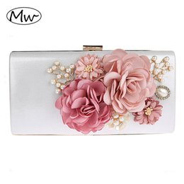 $enCountryForm.capitalKeyWord Australia - 2019 New 9 Colors Handmade Fabric Flowers Evening Bag Luxury Wedding Bride Clutch Bag Pearl Party Handbag Mini Purses Wallet Y19061301