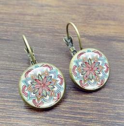 $enCountryForm.capitalKeyWord Australia - Retro hook earrings Women Glass Round Cabochon Flower Ear Stud Pierced Earrings Fashion Jewelry Silver gift