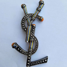 AnniversAry dresses online shopping - Luxury Designer Men Women Pins Brooches Gold Plated Yl Letter Brooch Pin for Suit Dress Pins for Party Nice Gift for Friends YL