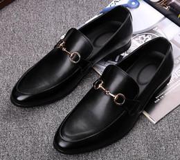 Nouvelle mode de luxe hommes en métal brodé fleurs chaussures formel chaussures de l'homme pour le mariage retour d'affaires cadeau de Noël en Solde