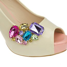 1 Pair Women Shoe Decorations Clips shoe buckle Crystal Decorations Clips  Charms Accessories New Fashion 49047cb0962b