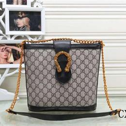 Hot New Famous Designer Fashion Totes de cuero de alta calidad de las  mujeres bolsos de compras bolso para la señora 1819   envío gratis cd5c6e2652a23