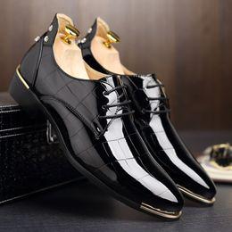 $enCountryForm.capitalKeyWord Canada - Rivets Men Shoes Dance Party Dress Shoes Patent Leather Pointed Toe Ceremony Wedding Shoes for Men Plus Size Black