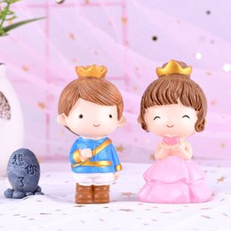 Cakes for kids bake online shopping - Groom and Bride Prince Princess Resin Cake Topper Cake Baking Decoration Supplies Happy Birthday Cake Flag Gift for Kids