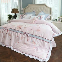 checked cotton fabric Canada - 4 pieces bedding set 60 long staple cotton fabric bedding sets embroiery duvet cover bed cover queen and king size pig design pink