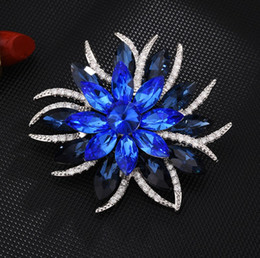 Wholesale micros clothing online – design New flowers high grade brooch copper micro inlaid zircon fashion brooch simple pin buckle clothing jewelry