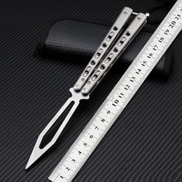 Spedizione gratuita maniglia in titanio lama D2 lama di rame pieghevole lama coltello di alta qualità BM campeggio caccia strumenti EDC in Offerta