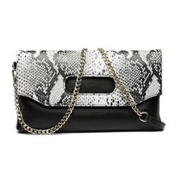 Crocodile Hand Bags Australia - Genuine Leather Women clutch bag shoulder Messenger bag female snake handbag Crocodile Pattern Cowhide leather hand envelope bag