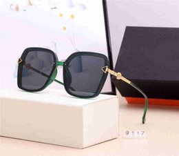 man boxes Canada - High quality Polarized lens pilot Fashion Sunglasses For Men and Women Brand designer Vintage Sport Sun glasses and box