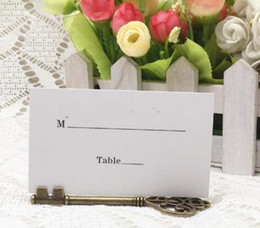 card table topper NZ - Wedding Favors Antique Bronze Skeleton Key Place Card Holder with Matching Place Card Wedding Decoration Accessory