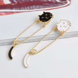 Kitten Shirts Australia - White Black Cat Head Pins Cartoon Animal Kitten Brooch For Women Kids Jacket T-shirt Bag Pin Badge Cute Jewelry