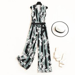 European Style Green Jumpsuit NZ - European and American women's clothing 2019 summer new style Floral print v-neck stylish slim jumpsuit