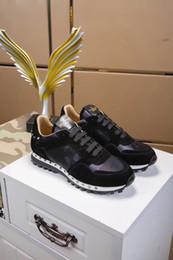 Toptan satış 2020 Moda Erkek Ayakkabısı Dantel Up Mesh Nefes Kamuflaj Eğitmenler Gündelik Ayakkabı Erkek Bahar Yaz Ayakkabı Valentino Erkek Kadın 35-45