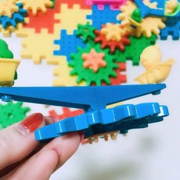 $enCountryForm.capitalKeyWord Australia - Factory direct sales of children's puzzle toys environmental protection plastic snowflakes assembly and assembly of electric building blocks