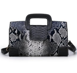 briefcase ladies fashion bag NZ - The hottest brand recommended ladies high-end snake-print handbags Designer business briefcase fashion shoulder bag PU Boston bag