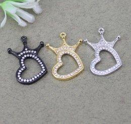 Großhandel 10 stücke Metall Kupfer Micro Pave Weiß CZ Herz Anhänger Perlen Mit CZ Krone perlen Für Schmuck Halskette Machen