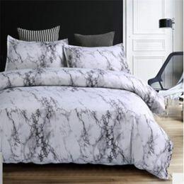 2018 Stone Pattern Set biancheria da letto matrimoniale Queen Size lenzuola da stampa reattiva 2/3 pezzi bianco e nero Set copripiumino in marmo 40 in Offerta