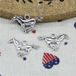 156 unids encantos corriendo caballo corcel 17 * 22 mm colgante, colgante de plata tibetana, para DIY collar pulseras accesorios de la joyería en venta