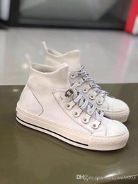 $enCountryForm.capitalKeyWord NZ - Brand Kanye West Arena ladies casual shoes red fashion designer high to help cheap sports shoes black white party shoes training shoe df0718