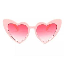 $enCountryForm.capitalKeyWord Australia - Fashionable Heart Sunglasses For Women Unique Cat Eye Sunglasses Black Pink Red Heart Shape Sun Glasses For Women Uv400