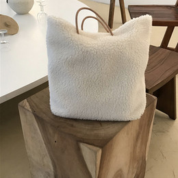 $enCountryForm.capitalKeyWord Canada - lambswool Lamb Plush Handbag Women Korean Winter Big Shopping Bag Large Capacity Shoulder Handbag PU Handle Causal Tote Bags
