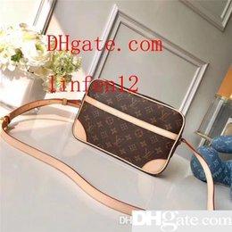 $enCountryForm.capitalKeyWord Australia - Men s travel Bags Women bag real Leather Handbags Leather keepall 45 Shoulder Bags totes 51274 size 27*17*7cm cm