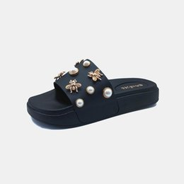 $enCountryForm.capitalKeyWord UK - New style women's slippers for summer 2019, fashionable pearl flat sandals, lovely outdoor slippers with thick bottom