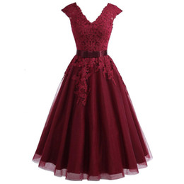 short gown bridesmaid sleeve UK - 2019 Cheapest Tea Length Burgundy bridesmaid Dress Short V Neck Lace Homecoming Dress With cap Sleeves Plus Graduation Dresses party Gowns