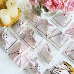 wedding shower giveaways 2019 - New Creative Marble Pattern Triangular Pyramid Wedding Favors Candy Boxes Party Baby Shower thanks Gift Box Bomboniera G