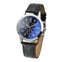 Mens Wholesale Glasses Australia - Mens Watch Blu Ray Glass Watch Neutral Quartz Simulates The Wrist Business Reloj de hombre Y501