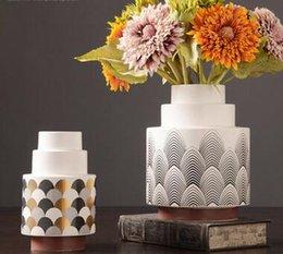 Gate Side Cabinet Dry Flower Cabinet Creative European Resin Vase Decoration Soft Decoration For Living Room Tv Cabinet